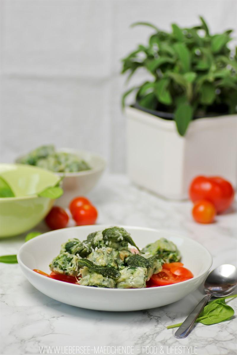 Rezept für einfache Spinat-Ricotta-Gnocchi - wenige Zutaten und viel Genuss nach Donna Hay, ÜberSee-Mädchen der Foodblog vom Bodensee Überlingen