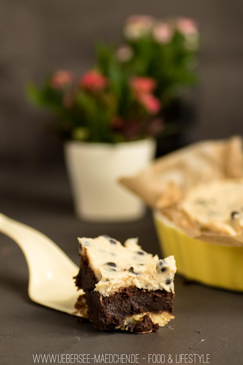 Cookiedough-Kuchen mit Brownie-Schicht und roher Keksteig von ÜberSee-Mädchen Foodblog Bodensee Überlingen