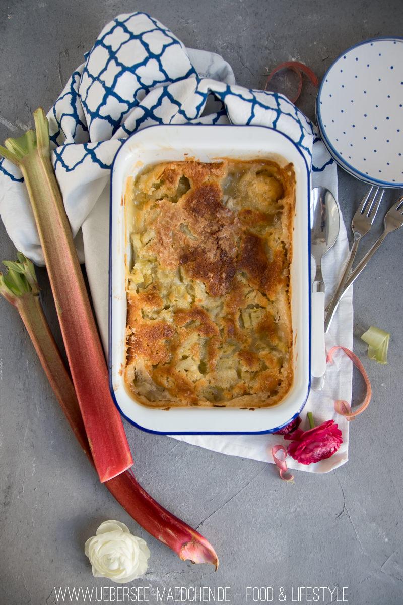 Rezept für Rhabarber-Auflauf nur wenige Zutaten von ÜberSee-Mädchen Foodblog vom Bodensee Überlingen