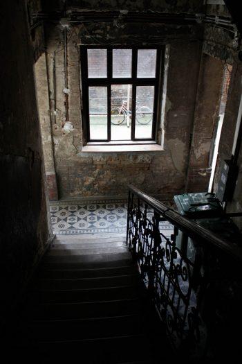 Treppenhaus in Budapest dunkel
