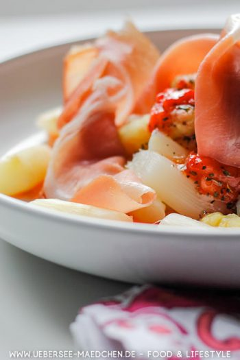 Spargelsalat mit Erdbeer-Dressing Rezept von ÜberSee-Mädchen Foodblog vom Bodensee