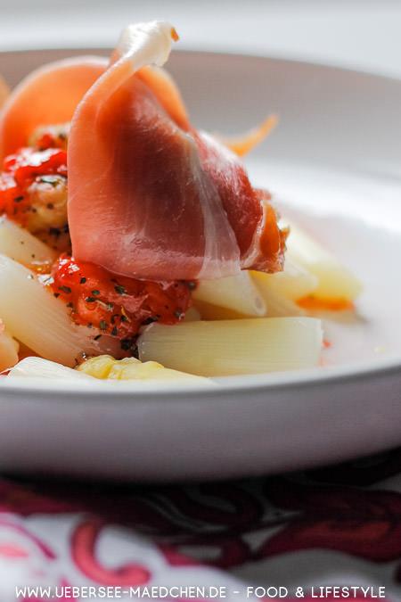Spargel-Salat mit Dressing Erdbeeren Rezept von ÜberSee-Mädchen Foodblog vom Bodensee