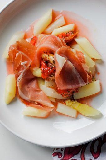Spargelsalat mit Erdbeer-Dressing und Schinken Rezept von ÜberSee-Mädchen