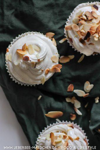 Saftiger Apfel-Muffin mit Vanillecreme-Topping Rezept von ÜberSee-Mädchen Foodblog vom Bodensee