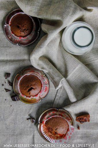 Schoko-Muffins mit viel Eiweiß und Schokoladen-Kern wenn Eiweiß übrig ist Rezept von ÜberSee-Mädchen