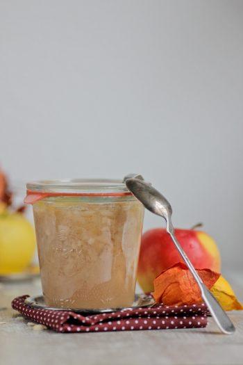 Bratapfel-Marmelade als kulinarisches Weihnachtsgeschenk