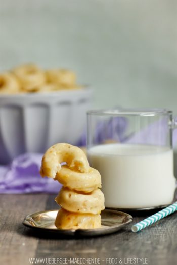 Mini-Donuts mit saurer Sahne