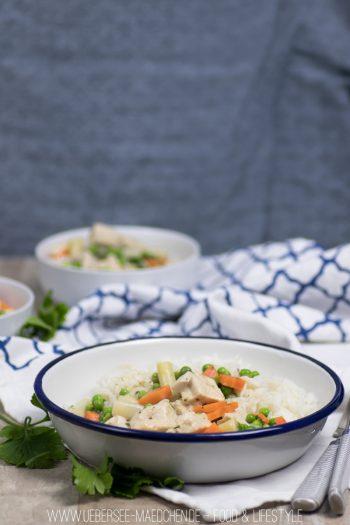 Rezept für Hühnerfrikassee mit Karotten, Erbsen, Spargel wie bei Mama
