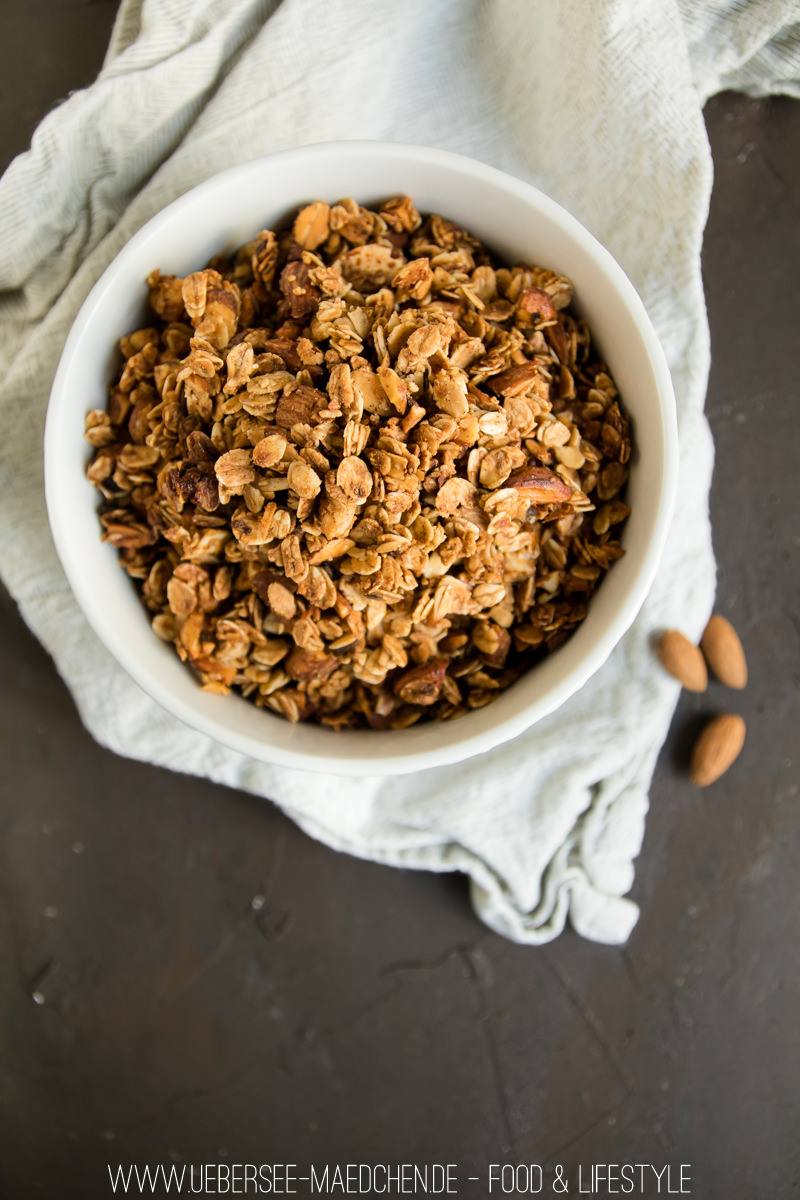 mandel granola extra knusprig mit honig und vanille. Black Bedroom Furniture Sets. Home Design Ideas