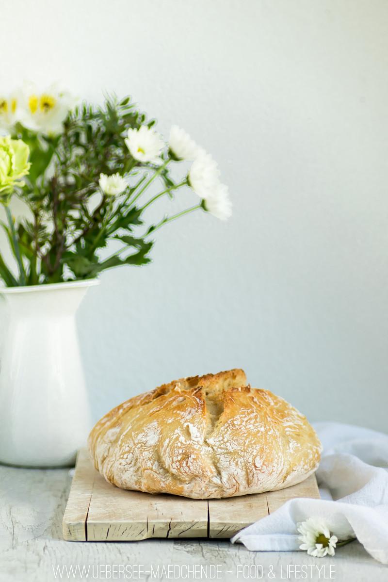 No knead bread Brot ohne Kneten im gusseisernen Topf von ÜberSee-Mädchen Foodblog vom Bodensee Überlingen