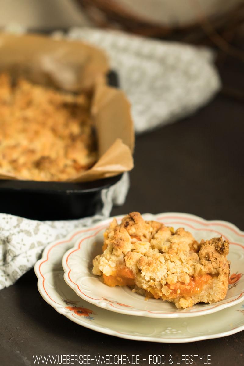 Aprikostenstreuselkuchen mit einem Teig für drei Schichten von ÜberSee-Mädchen Foodblog vom Bodensee Überlingen