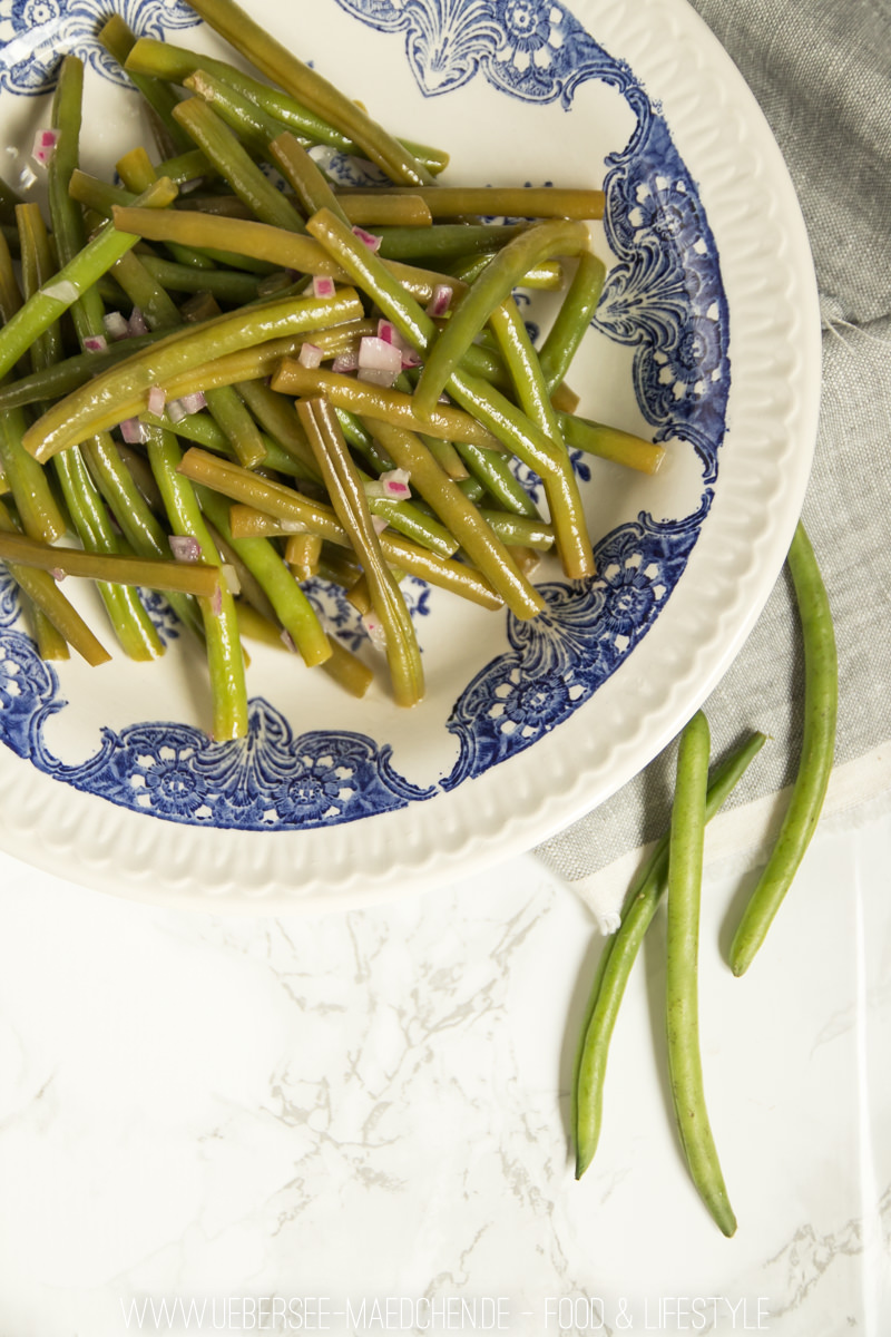 Bohnensalat klassisch wie im Restaurant knackiger Salat vegetarisch von ÜberSee-Mädchen Foodblog vom Bodensee Überlingen