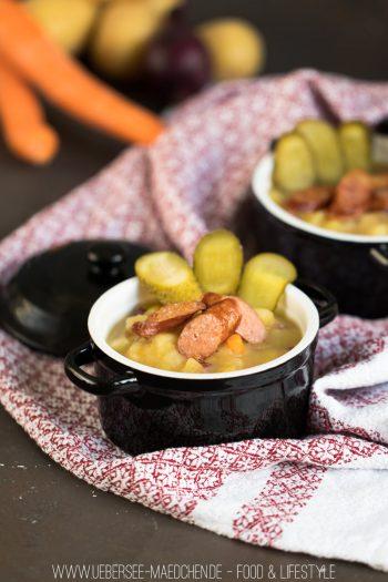 Kartoffelsuppe mit Gewürzgurken und gebratener Wurst Rezept Familienrezept von ÜberSee-Mädchen Foodblog vom Bodensee Überlingen