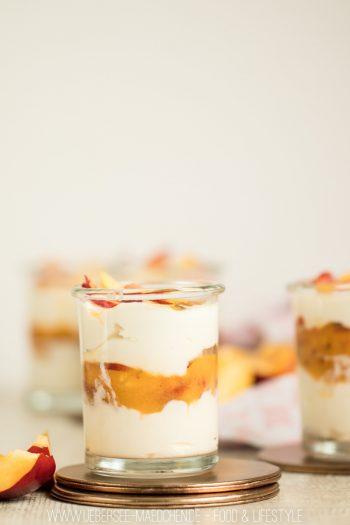 Lemoncurd-Creme mit Nektarinen einfaches frisches leichtes Dessert Rezept von ÜberSee-Mädchen Foodblog vom Bodensee Überlingen