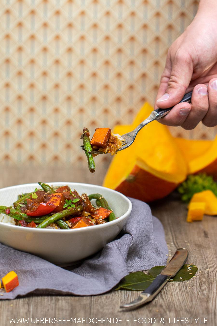 Eine Gabel Kürbis-Curry nach einfachem Rezept von ÜberSee-Mädchen