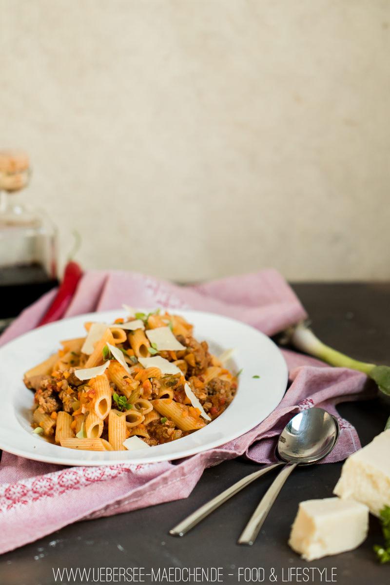Jools' Pasta mit Brät, Staudensellerie und Karotten Rezept von Jamie Oliver gezeigt von ÜberSee-Mädchen Foodblog Bodensee Überlingen