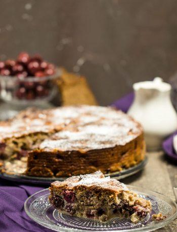Kirschplotzer badischer traditioneller Kuchen mit Kirschen und Schwarzbrot nach Kochbuch von Ben Kindler Rezept von ÜberSee-Mädchen Foodblog Bodensee Überlingen