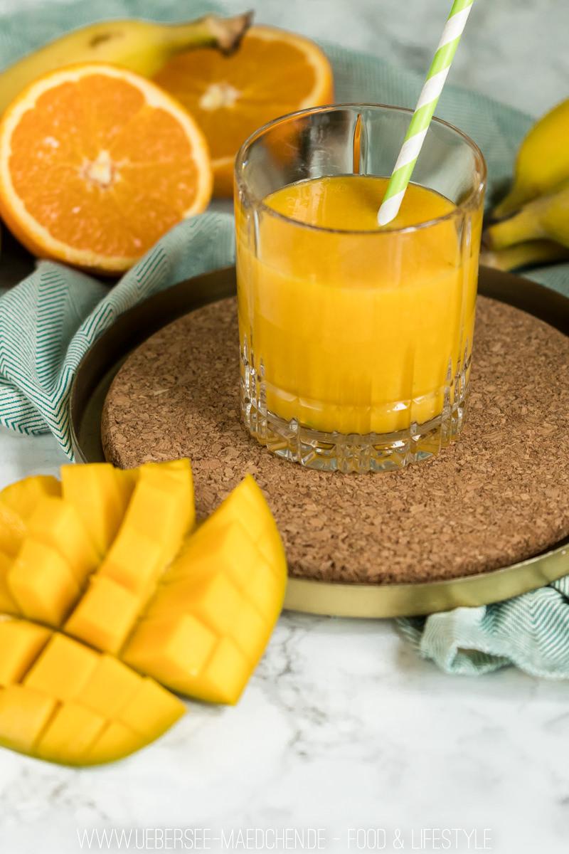 Rezept für Smoothie mit Banane und Mango cremig fruchtiges Getränk fürs Frühstück oder als Snack unterwegs vom ÜberSee-Mädchen Foodblog vom Bodensee Überlingen