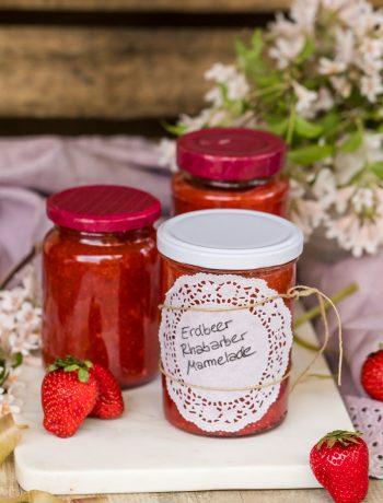 Erdbeer-Rhabarber-Marmelade super fruchtig selbstgemacht Rezept von ÜberSee-Mädchen Foodblog vom Bodensee Überlingen
