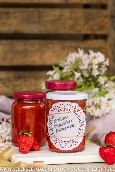 Erdbeer-Rhabarber-Fruchtaufstrich super fruchtig selbstgemacht Rezept von ÜberSee-Mädchen Foodblog vom Bodensee Überlingen