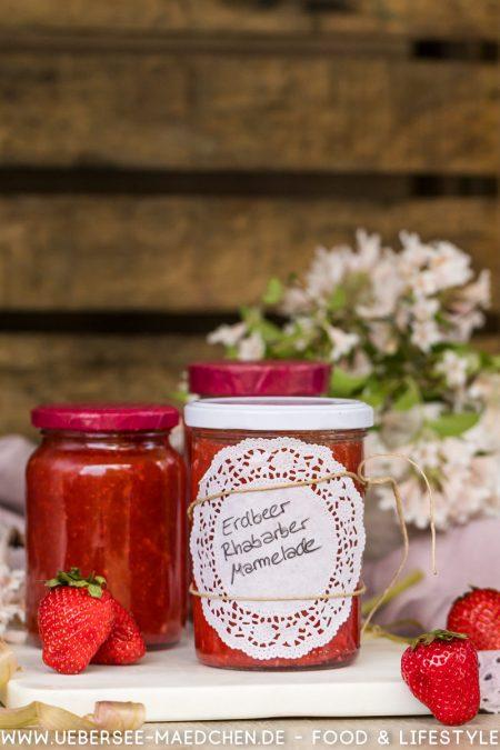 Erdbeer-Rhabarber-Aufstrich Marmelade super fruchtig selbstgemacht Rezept von ÜberSee-Mädchen Foodblog vom Bodensee Überlingen