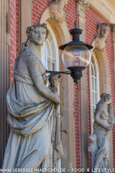 Skulpturen am Neuen Palais Potsdam von ÜberSee-Mädchen Foodblog vom Bodensee Überlingen