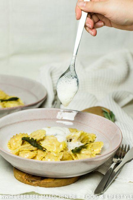 Ravioli mit Ricotta-Speck-Füllung Salbeibutter  Rezept von ÜberSee-Mädchen Foodblog vom Bodensee Überlingen-13
