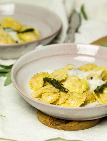 Ravioli mit Ricotta-Speck-Füllung Salbeibutter Rezept von ÜberSee-Mädchen Foodblog vom Bodensee Überlingen