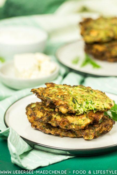Zucchinipuffer nach türkischem Rezept mit Feta Petersilie Dill Frühlingszwiebeln Rezept von ÜberSee-Mädchen