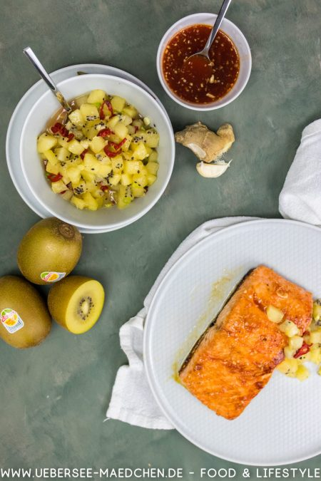 Glasierter Lachs mit gelbem Kiwi-Chutney mit Zespri Sungold Kiwi