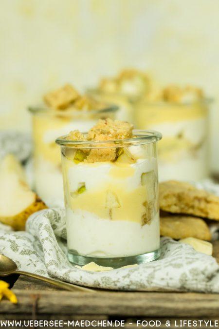 Sahnequark-Dessert einfach schnell im Glas mit Sahnequark Eierlikör Birnen Cookies