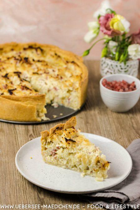 Ein Stück Krautkuchen Quiche mit Kohl Speck saurer Sahne Rezept von ÜberSee-Mädchen der Foodblog vom Bodensee Konstanz