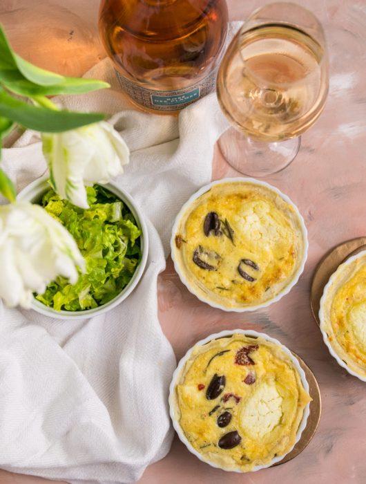 Ziegenkäse-Tartelettes französisch mit Paprika Oliven Rosé Rezept von ÜberSee-Mädchen Foodblog vom Bodensee Konstanz