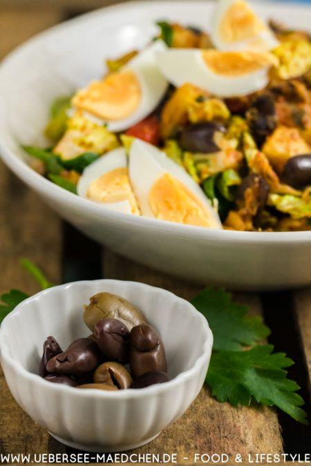 Oliven für Kartoffelsalat orientalisch mit Harissa-Dressing