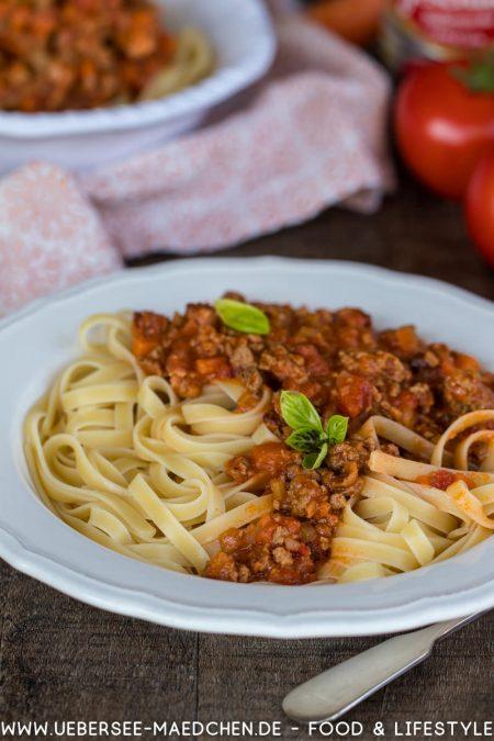 Pasta ragu alla bolognese Original-Rezept mit Pancetta Weißwein Milch