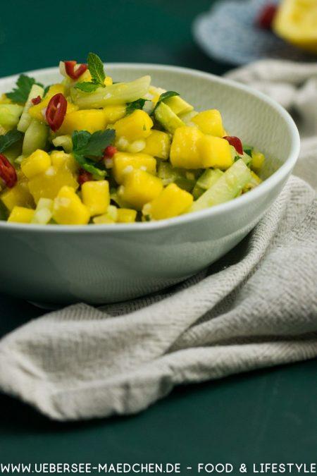 Asiatischer Salat mit Mango Gurke Avocado Rezept von ÜberSee-Mädchen Foodblog vom Bodensee