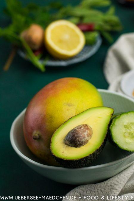 Zutaten für asiatischen Salat mit Mango Avocado Gurke Rezept Übersee-Mädchen Foodblog vom Bodensee