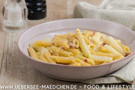 Rezept für Pasta mit Spargel-Carbonara original italienisch ohne Sahne von ÜberSee-Mädchen