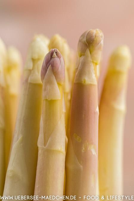 Weißer Spargel als Zutat für Carbonara mit Spargel ohne Sahne Rezept von ÜberSee-Mädchen