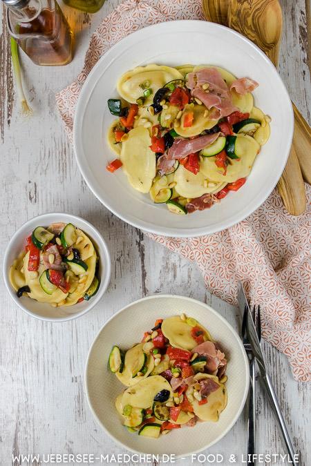 Pasta-Salat zum Grillen einfach schnell gemacht Rezept von ÜberSee-Mädchen Foodblog vom Bodensee Konstanz