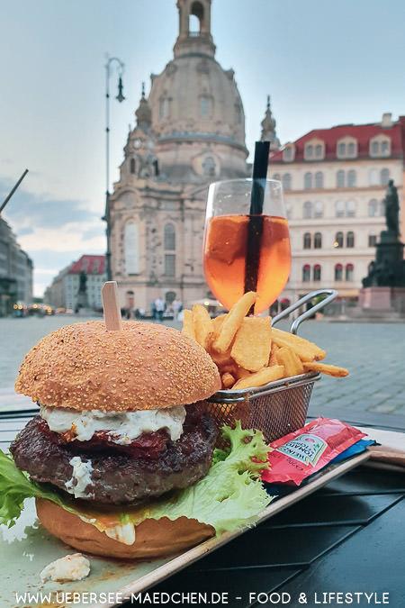 Burger der Burgerei in Dresden bei der Frauenkirche