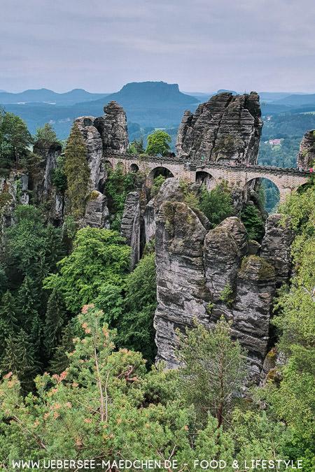 Die Bastei in der Sächsischen Schweiz Elbsandsteingebirge in Sachsen Travel-Guide von ÜberSee-Mädchen