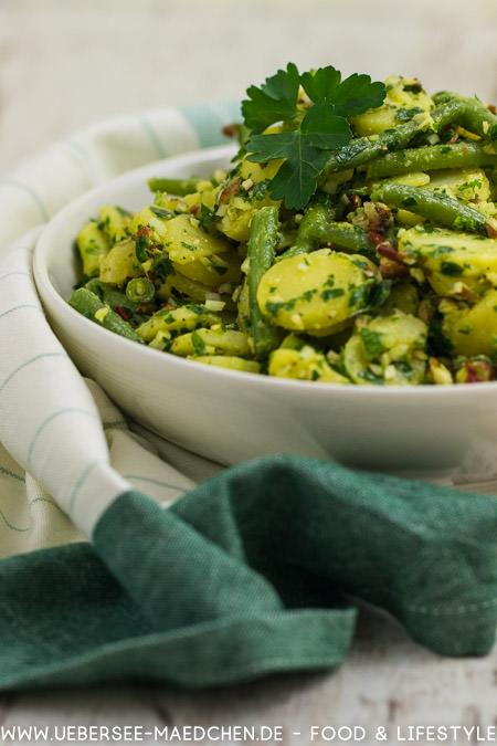 Kartoffelsalat mit Bohnen Petersilienpesto und Mandelcrunch leckere Abwechslung zum Grillen Rezept von ÜberSee-Mädchen