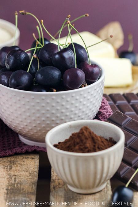 Zutaten für Kirsch-Brownies mit viel Schokolade und Kirschen Rezept von ÜberSee-Mädchen Foodblog vom Bodensee