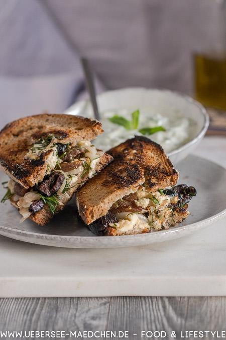 Rezept für griechischen Käsetoast nach Jamie Oliver mit Feta Aprikosen Oliven von ÜberSee-Mädchen Foodblog vom Bodensee