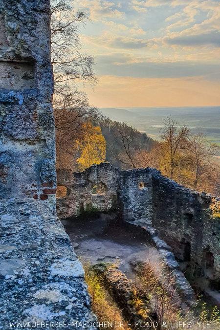 Blick von der Ruine Altbodman über die Landschaft des Hegau Sehenswürdigkeiten TIpps von ÜberSee-Mädchen
