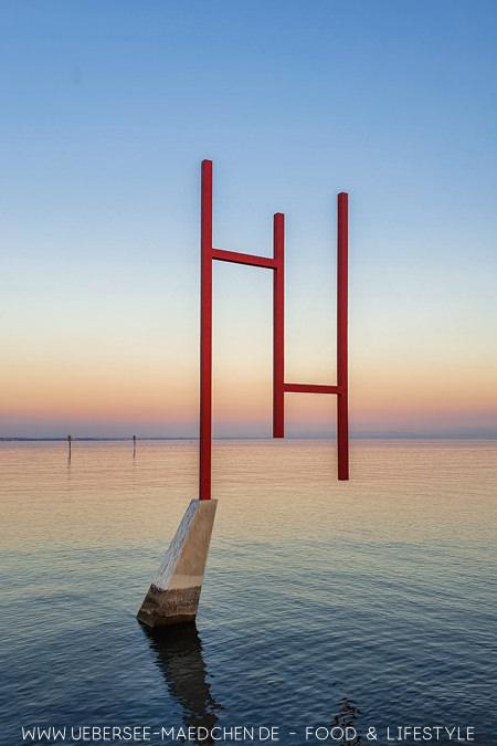 Die Kunstgrenze zwischen Deutschland und Schweiz am Bodensee in Konstanz