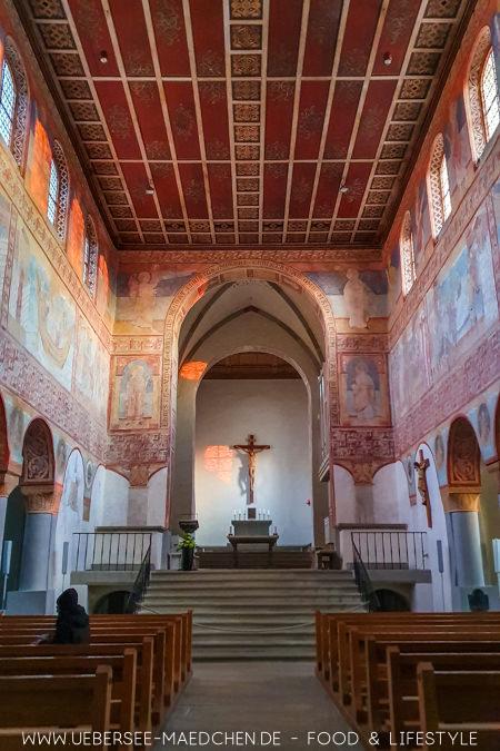 Blick in Kirche St. Georg auf der Reichenau Sehenswürdigkeit bei Konstanz