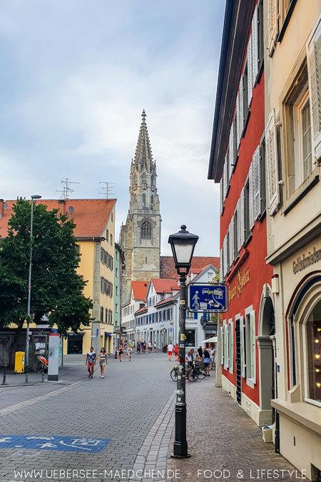 Das Konstanzer Münster umgeben von der Altstadt