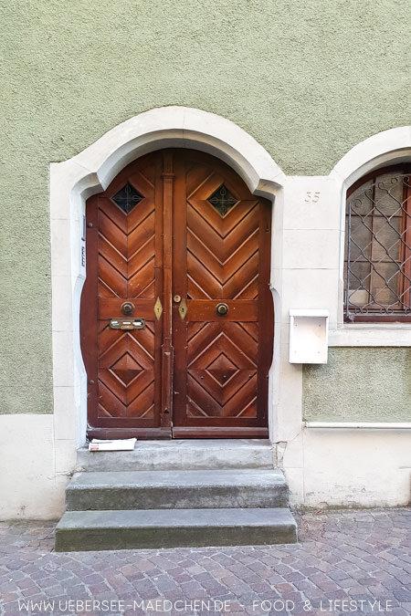 Eine Eingangstür in der Niederburg